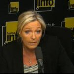 """#Rires """"@leLab_E1: Les médias vont dans les communes #FN """"comme au zoo"""" selon Marine Le Pen > http://t.co/oAHoOXALY3 http://t.co/8QtE5G0wuS"""""""