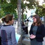 RT @FCarreyConte: Ce matin, écoles maternelles de la rue Vitruve à #Paris20 : bonne rentrée aux élèves, parents & équipes éducatives. http://t.co/ikA1fgXu56