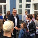 RT @fcuvillier: En moins dune semaine, jai fait une sortie et une rentrée des classes ! Heureux de voir des nouveaux enseignants ! http://t.co/7s2ts0LlkE