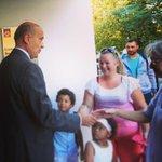 Belle rentrée à tous les élèves et à leurs parents. Seul objectif : le bien être de lenfant et son épanouissement. http://t.co/hcVH8Oy6Ir