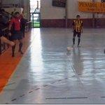 #Futsal | Peñarol venció a Parque Cubano y sigue liderando el Torneo Integración Link: http://t.co/6rr4t2ZI0z http://t.co/KAW79YT35L