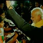 """RT @ParagDr: Tokyo: PM Narendra Modi signing autographs outside Indian Embassy http://t.co/Ew6nwsEIYJ"""""""