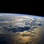 My favorite views from #space – just past #sunrise over the ocean. http://t.co/5CuDNPmLCz