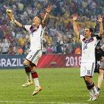 RT @FCBayern: .@BSchweinsteiger wird Nachfolger von Philipp #Lahm als Kapitän der Deutschen Nationalmannschaft. #MiaSanMia http://t.co/7hOXrseOzm