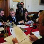 El BROU amplió de 4 a 10 años el plazo a López Mena para pagar el aval de #Pluna - http://t.co/pMkJSpO2CW http://t.co/WwjkKmE3ZB