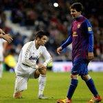 RT → Leo Messi FAV → Cristiano Ronaldo http://t.co/9sZZJtxKpQ