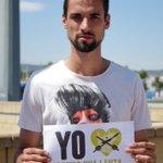 RT @pacmacatalunya: Raúl Rodríguez, jugador dl @RCDEspanyol també #Rompeunalanza pel #TorodelaVega Entre tots acabarem amb aqsta barbàrie http://t.co/NwzIotSeR5