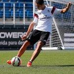 Chicharito en su primer entrenamiento http://t.co/5nSXOxI1uu #realmadrid #halamadrid