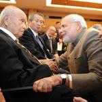 RT @ggiittiikkaa: PM Modi meets a 99-year-old in Japan, who is Netaji Boses friend. Gesture! #BurnCongressBurn http://t.co/Ptmtf1l071