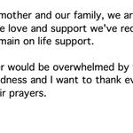 RT @ditzkoff: In a brief statement, Melissa Rivers says that Joan Rivers remains on life support. http://t.co/X3xTe6Oz5M
