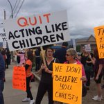 #mlaplaydate parents and students protest outside @christyclarkbc office #backtoschool http://t.co/OHWcIvV1Ne