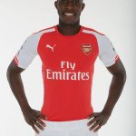 RT @F00tyHighlights: Danny Welbeck dons the Arsenal kit. (Source: @Arsenal) http://t.co/kfOT7CcbGI