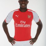 PICTURE: Danny Welbeck in his new @Arsenal colours #WelcomeWelbeck http://t.co/wbOjefGCsU