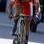RT @NairoQuinCo: Es el ciclismo es la vida, caer y levantarse, gracias a Dios sigo en carrera y a darlo todo @lavuelta @Movistar_Team http://t.co/2iIdCayIOc