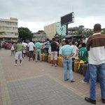 RT @eluniversocom: Desesperación en Esmeraldas por comprar un cilindro de gas. Foto @EsmeraldasNews http://t.co/OiLw0OAgxV http://t.co/dO18T2NmFZ