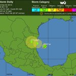 """RT @HildaGomezGo: #Tampico Parece que """"Dolly"""" cambió de trayectoria hacia el norte. Vean... http://t.co/twJI86Ap0H"""