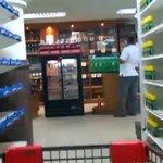 """RT @elinformadorve: Farmacéuticos piden acciones """"urgentes"""" para normalizar al sector http://t.co/pQl8ljkjZB http://t.co/MWtZtswor6 #Noticias #Venezuela"""