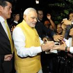 RT @narendramodi: Meeting youngsters http://t.co/CyPLv1elr0