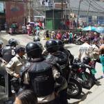 Ruiz Pineda, quieren dispersar la fuerte protesta @RebeldiaCivil @LucioQuincioC http://t.co/22nok6qsJv http://t.co/mBmwBt7Fww @UNoticias q