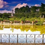 Love this colourful view of the #Boboli gardens in #Florence by @feltrin68 http://t.co/tjIDvJ8UMk
