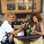RT @PibeValderramaP: Celebrando con mi amor en ROMA mas bacano q el carajo Todo bien todo bien http://t.co/jSXiElL31e
