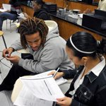 Happy 1st day of class, @ChiPubSchools! Take advantage of FREE college courses at CCC this yr: http://t.co/wS3n3ynU2e http://t.co/x4iAYSYUL3