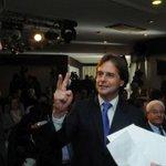 - @luislacallepou organiza debate con @PedroBordaberry y @Pablo_Mieres para octubre - http://t.co/itLiQaIjlc http://t.co/Q7FnkKSl3p