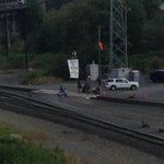RT @EricWKing5: Protesters are blocking the tracks in Everett wanting to stop oil trains http://t.co/NNuxGynS1k