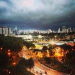 RT @gazetadopovo: Temporal: chuva causa estragos no interior e na Grande Curitiba. Foto da leitora Simmy Cohen http://t.co/rB9h9LC6pT http://t.co/6NSUMBiOMx
