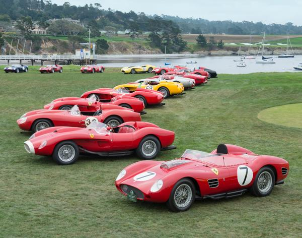 It was amazing to see 20 Ferrari 250 Testa Rossas present on our show field on Concours Sunday! http://t.co/4DIAwT3VIh