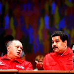 """RT @maduradascom: ¡LO ABANDONAN LAS BASES! Maduro ruega apoyo al Psuv para el """"sacudón"""" de este martes http://t.co/nuEFMS37WX http://t.co/41LBLgJzSO"""