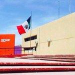 Asi es como el gobierno del pelochas de @rubenmoreiravdz tiene la bandera nacional enla PGDE #Saltillo @El_SrMinistro http://t.co/tBT19GidvD