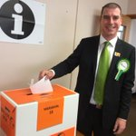 Just cast my vote for a cleaner environment, smarter economy and fairer society. Party vote Green and #LoveNZ http://t.co/hTc0FZJctv