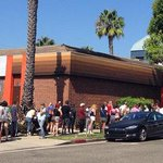 RT @eaterla: You gotta be dunkin' kidding me: Angelenos Lining Up Cronut-Style for Dunkin Donuts http://t.co/10XZDnH9L2 http://t.co/699imB0oVS