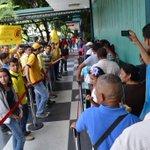 #2S CARACAS: PJ protestó frente del Bicentenario Las Mercedes en contra del sistema biométrico http://t.co/GXep47Dbka - vía @DarvinsonRojas