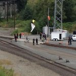Protestors blocking rail line in Everett agreed to dismantle. All morning they blocked oil train but not main line. http://t.co/k7qCzvlF7i