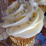 Cupcakes for all occasions! Message us to order. @ThePigGuide @TweetUpBath @BathCoUK @NOWBath @InBath @LocalBathUK http://t.co/EcVqFNAoF9