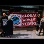 RT @M__albugaily: مظاهرات لبريطانيين ضد داعش أمام مكتب التنظيم الدولي للإخوان في بريطانيا .. داعش صنيعة الفكر الإخواني .. http://t.co/k00YtNqOj6