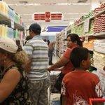 El champú y los pañales tienen nuevos precios http://t.co/Y6QA5rcq3m http://t.co/1hd8uARLgf