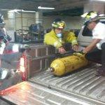 Bvoluntarios evacuan cilindro de cloro del sotano de la torre de tribunales http://t.co/ZmSCSXmxgo