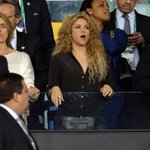 RT @PANACHILE32: @elcuara Shakira esta en el teatro Assa y esta fue su cara cuando vio eso... @la_cascara http://t.co/KZhKX4p99S