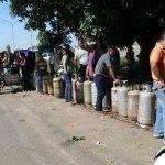 Esta es la política petrolera contra la meritocracia que ha llevado Ramírez en revolución. http://t.co/qQBHgVXWRm