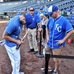 RT @Royals: Moose also stopped by and gifted @bustagrimes10 with his bat. #royalswinfortim http://t.co/4IeFyUW3Vy