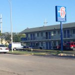 Motel 6 entrance in Northland blocked off by police as they continue search for shooting suspect @41ActionNews http://t.co/PcFszQ9AIY