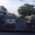capsul monginsidi Rame sedikit tersendat #pagipagi #curanmor l @iradiomakassar http://t.co/s92k8ofPJy