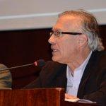"""RT @CordicomEc: .@HernanReyesA """"Es necesario priorizar a la ciudadanía como sujeto que oriente los cambios en la #comunicación"""" http://t.co/TwSqZR1Pjj"""