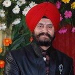 RT @firstpostin: Delhi BJP MLA Jitender Singh Shunty shot at outside his residence; escapes unhurt http://t.co/eklDiHoGkH http://t.co/op7TRPmnSm