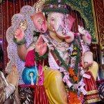 RT @ScreenIndia: PHOTOS: @iPoonampandey prays to Lord Ganesha http://t.co/WnMpY5YXz5