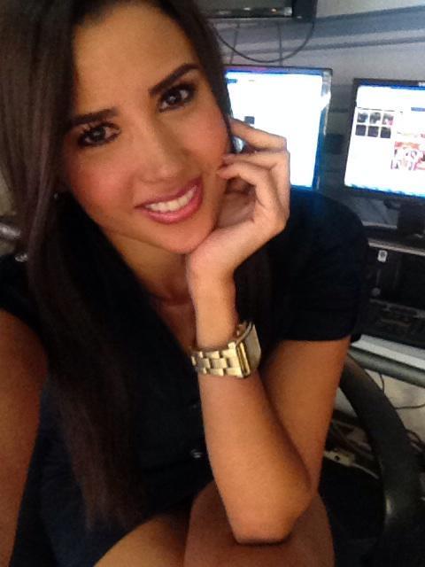 Susana Almeida (@Susyalmeida1): Los invito este viernes al certamen de belleza señorita Ocotlan en el que @mayraglezv y yo seremos las conductoras!