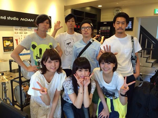 【Negicco】9月6日は新潟へ。田島貴男さんが楽曲提供した事でも話題になってる、Negiccoのワンマンライブで数曲弾きます。またもや鍵盤!Alaska Jamから浩平とサト氏、from a novel北澤くん達と。初アイドル! http://t.co/vdPR3Vu15E